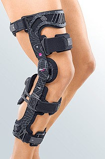 M.4s PCL dynamic knee brace for the posterior cruciate ligament